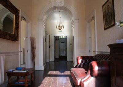 willoughby-house-hall1